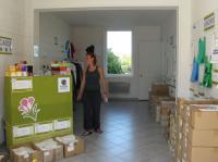 Olivia Pontarollo, responsable de la communication, dans le nouveau magasin.