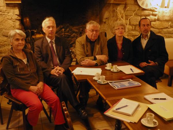 De gauche à droite: Me Leborgne, Yannick Guihéneuf, Pêr Loquet, Françoise Pomard Josik Lancien