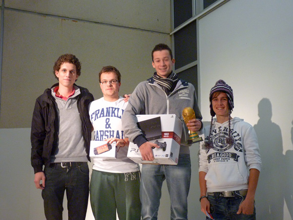 Julien Seignard (au centre) avec ses trois meilleurs rivaux.