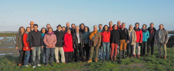 La liste Vivons Guérande Ecologique et Solidaire EELV devant les marais salants
