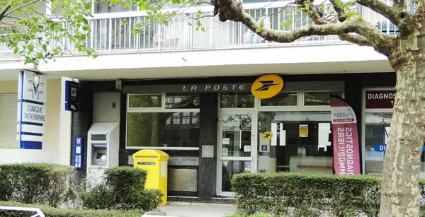 La baule : la poste veut fermer le bureau de la place des palmiers