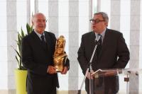 Yves Métaireau, la Marianne d'or et Alain Trampoglieri