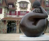 Acquisition de la statue de Georges Jimenes Deredia devant la gare.