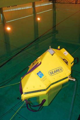 Maquette du Searev dans le bassin de l'Ecole Centrale de Nantes
