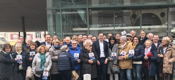 Le groupe autour du candidat