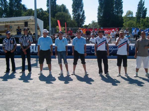 Les vainqueurs ici à droite sur la photo