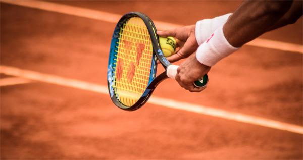 Tout le monde peut s'essayer au tennis  Photo par Gonzalo Facello/CC0