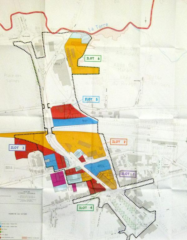 Sur le plan les îlots sont colorés en : - jaune pour les parcelles de Nexity ; - bleu pour celles de la Ville ; - en rouge pour celles des particuliers.