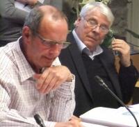 Michel Thybboyeau à droite au côté du maire sortant