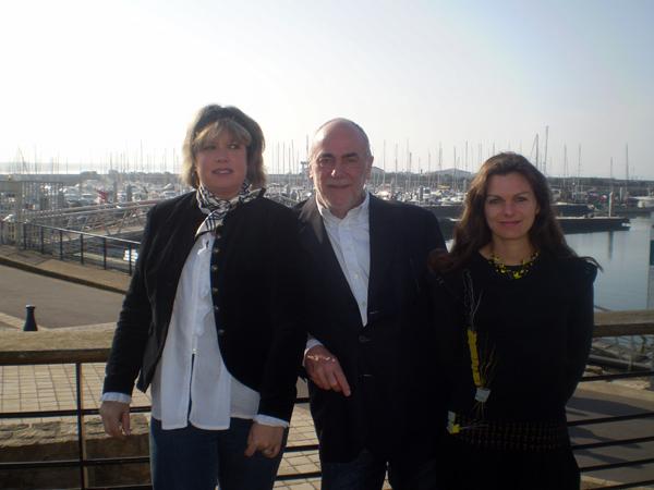 OT La Turballe avec les deux hôesses d'accueil Gwéanelle et Isabelle et André Lanet
