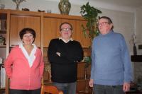 Annette Bolo, Jean-Luc Favreau avec Bernard Bolo, président de l'association Batz Citoyenneté Solidarité.