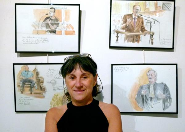 Dominique Lemarié devant les dessins de l'audience d'Yvan Colonna
