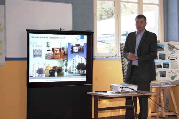 Gilles Cibert, directeur de l'hôtel La Pérouse à Nantes, est intervenu sur les efforts faits au sein de son hôtel pour diminuer les consommations.