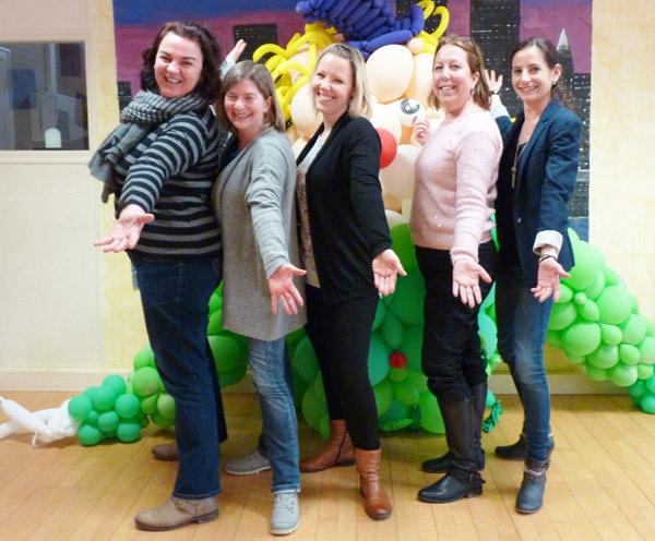 Une partie de l'équipe des TAP pour l'école Paul Lesage - De gauche à droite : Gaëlle, Anne-Sophie, Emilie, Aurore et Lauriane – Absentes de la photo : Armelle, Jackie et Nathanëlle.