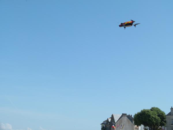 Le drone qui filme la compétition.