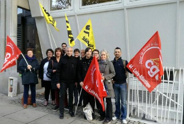 la grève se poursuit à la poste de Beaulieu et de République