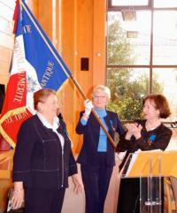 Remise de l'insigne de l'Ordre national du mérite, des mains de Mme Chantal Didier, Présidente de la section de Loire-Atlantique de l'Ordre national du mérite le samedi 2 avril 2016 dans la salle du conseil municipal de la ville de Pornichet.