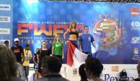 Séverine championne du monde sur le podium