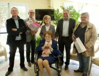 Madame Odette Delvigne reçoit le maire de Pornichet