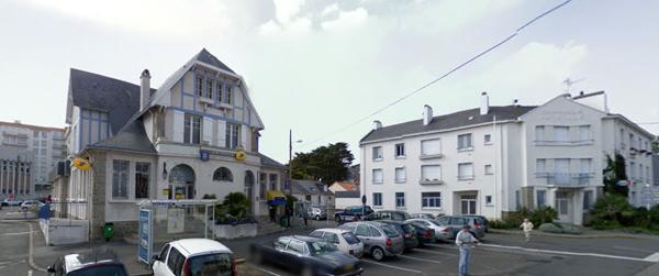 Prochainement un immeuble avec commerces à la place de la gendarmerie maritime.