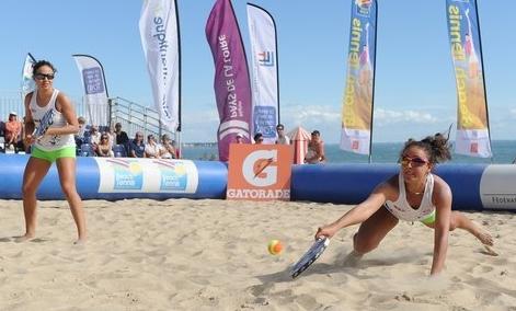 Les soeurs Hoareau championnes de France de beach tennis  pour la 3e fois