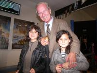 Le maire de Saint Nazaire, Joël Batteux, avec ses petits-enfants