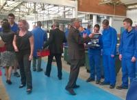 Jacques Auxiette à Brossaud Blancho lors de la remise des équipements professionnels