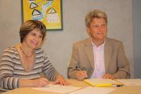 Sylvie Beaucé, de l'APEI, et Jérôme Ahrweiler, de la CMCAS.