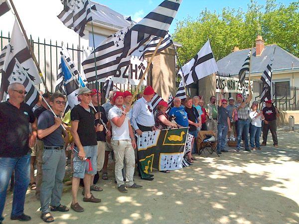Les Bonnets rouges et Bretagne réunie à Saint-Nazaire