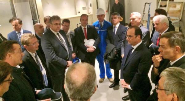 François Hollande en compagnie des chefs d'entreprises, de Jean-Marc Ayrault, David Samzun.