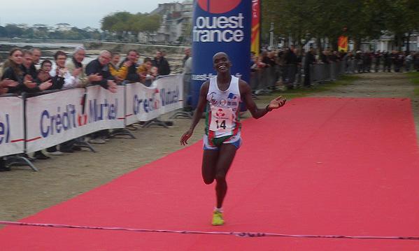l'international Ougandais Nathan Chebet a survolé l'épreuve.