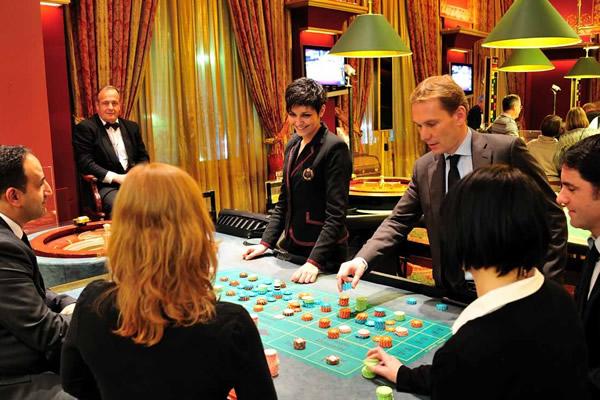La France est encore orientée sur des salle de jeu de style vintage, alors que d'autres pays se sont déjà dotés de salles de jeu réalisées par des studios de production dignes de blockbusters hollywoodiens