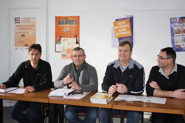 De g. à d. : Stépgane Dufoux, représentant syndical à Airbus, Marc Ménager, Eric Paul et Yves Vince, délégués syndicaux à la Famat.