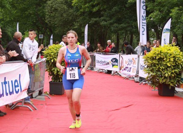 Le vainqueur dames du triathlon