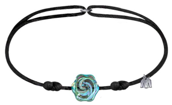 Un bracelet en cristal porte-bonheur