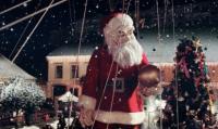 Le père Noël Coca-Cola ressemble étrangement à celui de Royal de Luxe