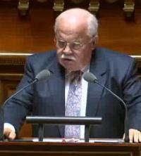 André Trillard d'après vidéo-Sénat
