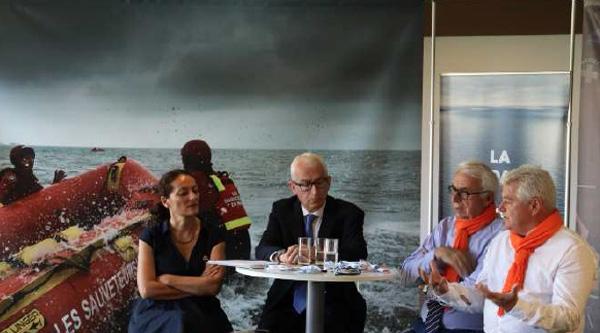 Sophie Beau, directrice générale et co-fondatrice de SOS MEDITERRANEE, François Thomas, président de SOS MEDITERRANEE, Xavier de la Gorce, président de la SNSM, Philippe Grosvalet, président du Département