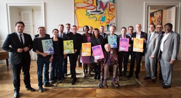Anne Hidalgo Maire de Paris soutient la campagne de lutte contre le sida