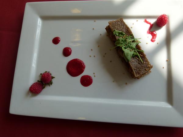 Thomas Marcadal Mille-feuilles d'huîtres et galette de blé noir, vinaigrette de framboise