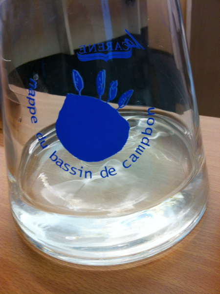 La carafe d'eau de source de Campbon