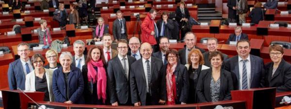 Jean-Yves Le Drian et son équipe de vice-présidents Photo Emmanuel Pain