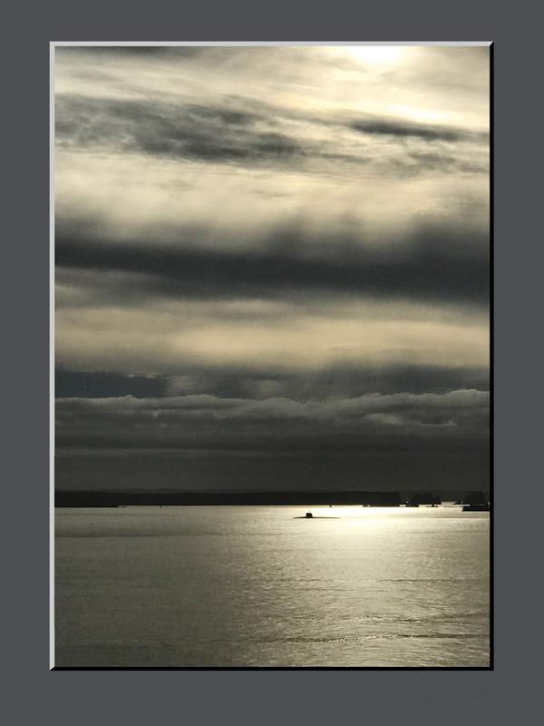 Sous-marin en rade de Brest © Images & Idées