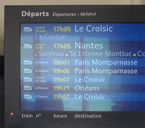 Le TER en provenance du Croisic 1 heure de retard en gare de La Baule !