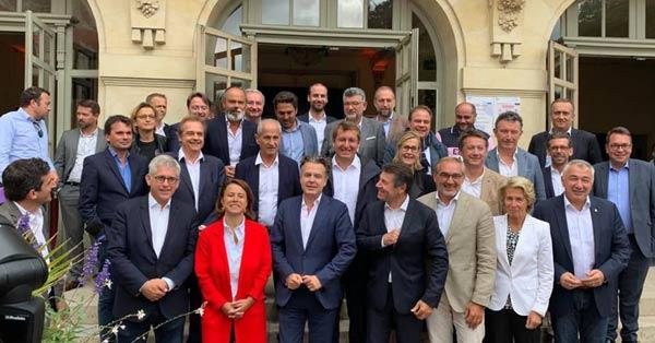 Les maires de droite et du centre à Fontainebleau