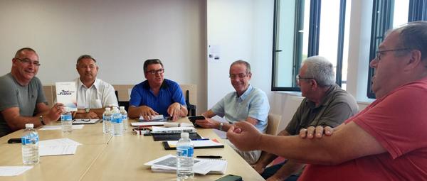 De gauche à droite:  Stéphane HUGUET, Ludovic CAUDET, Alain GOUHIER, Philippe JEGOUDEZ, Lionel MIAU, Yves HERMIAN.
