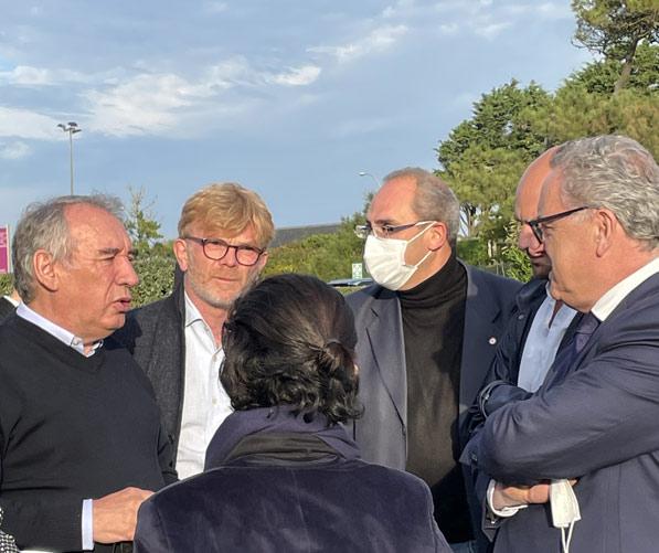 François Bayrou accueille Richard Ferrand à Guidel