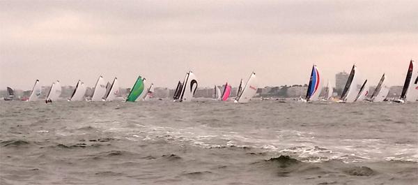 Départ de la course Urgo Le Figaro de la baie de La Baule